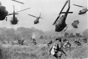 عقب نشینی نیروهای آمریکایی از ویتنام(گنجینه تصاویر ضیاءالصالحین)