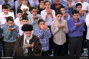 مراسم جشن تکلیف دانشآموزان با حضور رهبر انقلاب