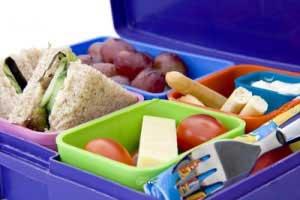 تغذیه دانش آموزان در مدرسه