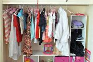 روش ها و ترفندهای ساده برای مرتب کردن کمد لباس