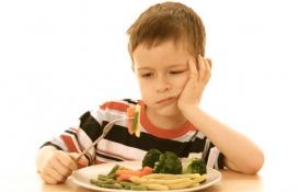 علت امتناع کودک از غذا خوردن